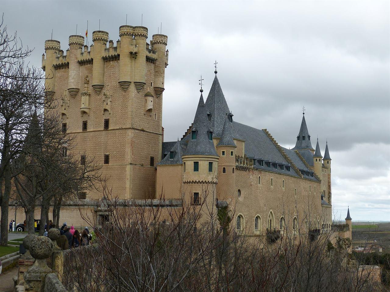 Замок Алькасар Сеговия