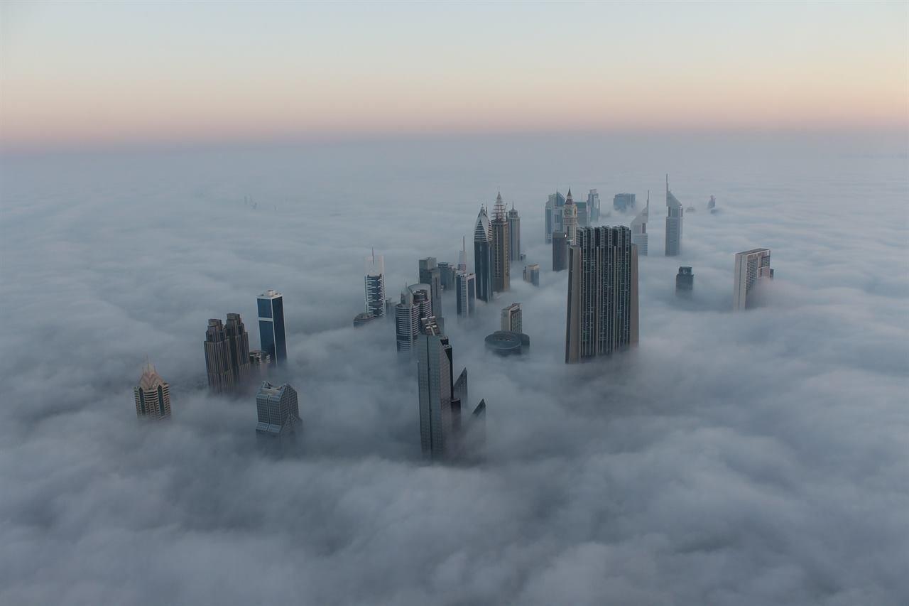 Дубай в тумане