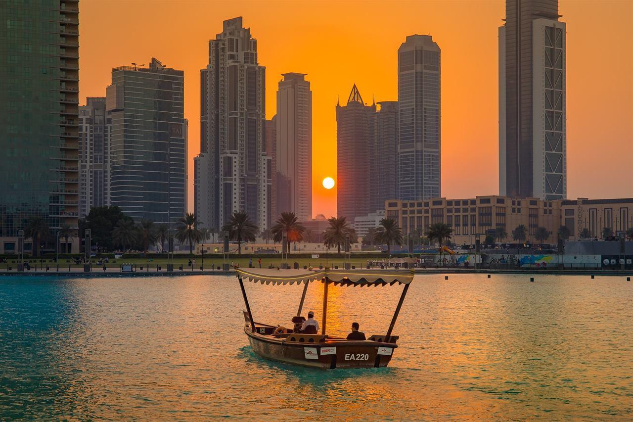 Катание на яхте в Дубае