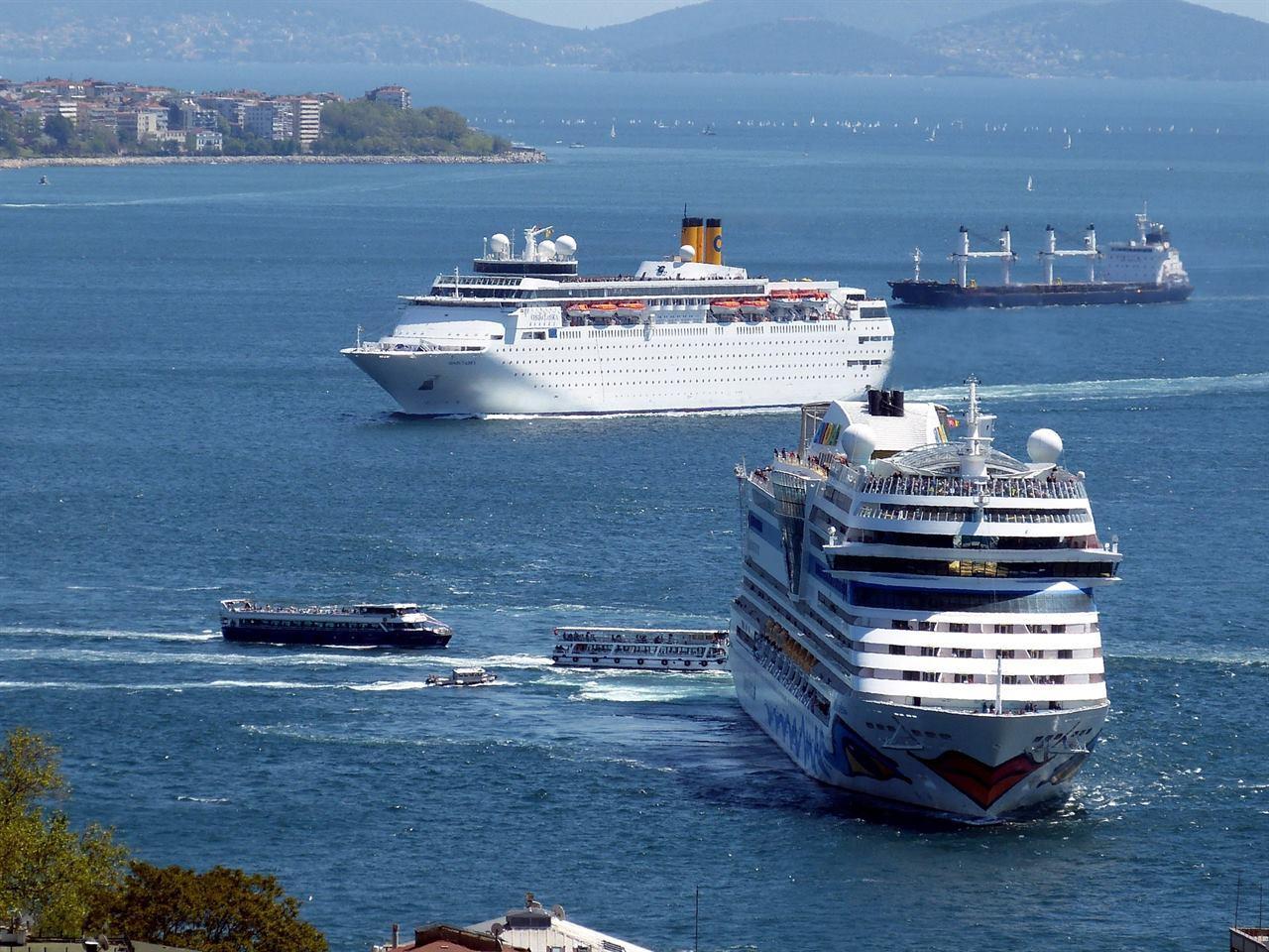 Море круиз в Стамбуле