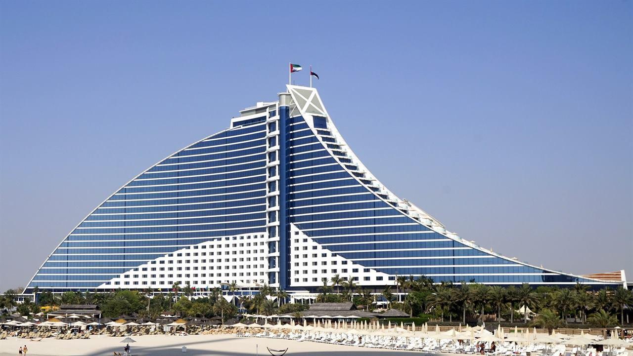 Пляжи и отели Дубая