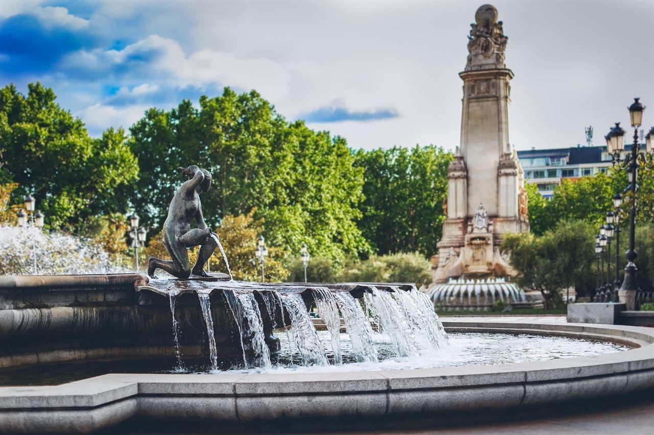 Мадрид фонтан