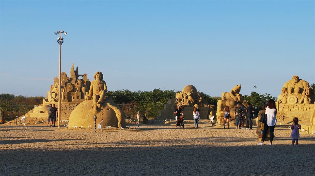 Бургас пляж скульптуры из песка