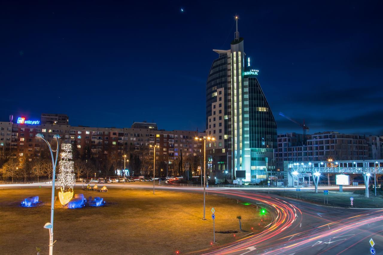 Болгария Бургас ночной город отель