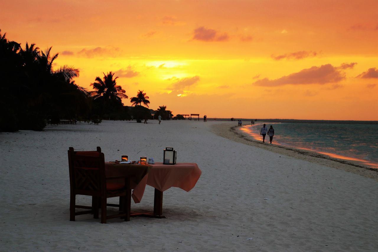 Вечерний пляж Мальдивы