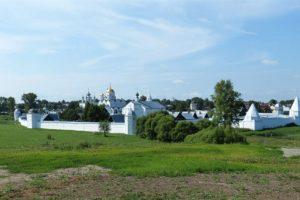Суздаль – образец белокаменного зодчества Древней Руси