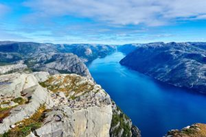 Лучшее время для поездки в норвежские фьорды